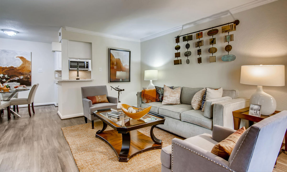 Living Room Features | 9900 Memorial Houston Apartments